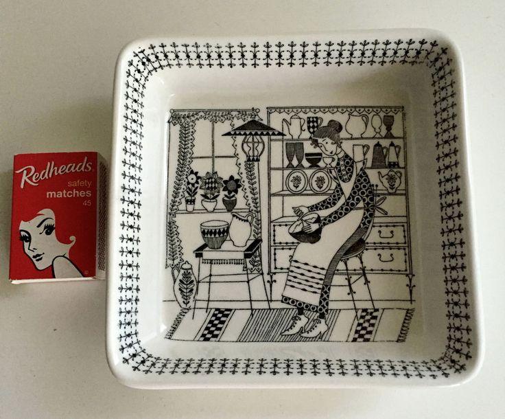 Arabia Finland Emilia square Bowl Raija Uosikkinen Design