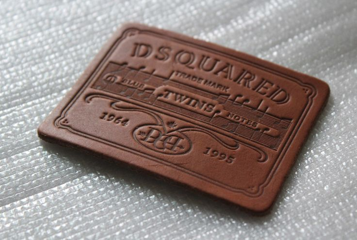 DSQUARED leather label