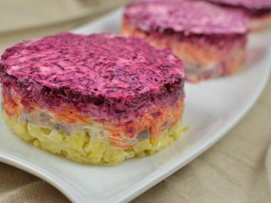 """""""шуба"""" (shuba salad) Russian Layered Salad"""
