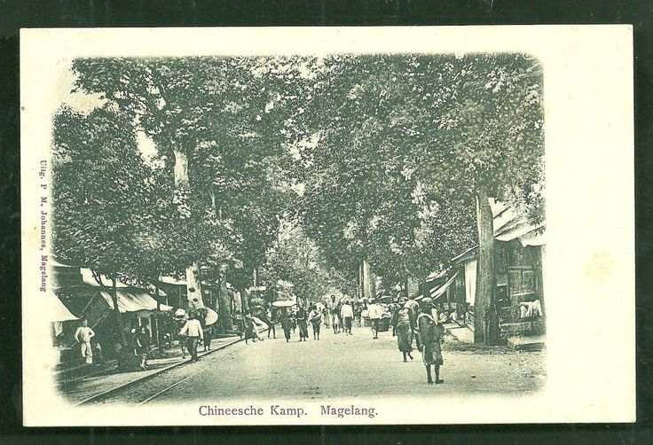 http://www.ebay.nl/itm/Magelang-Chinese-Camp-Chinatown-Java-Indonesia-ca-1899-/370558404110?pt=LH_DefaultDomain_0