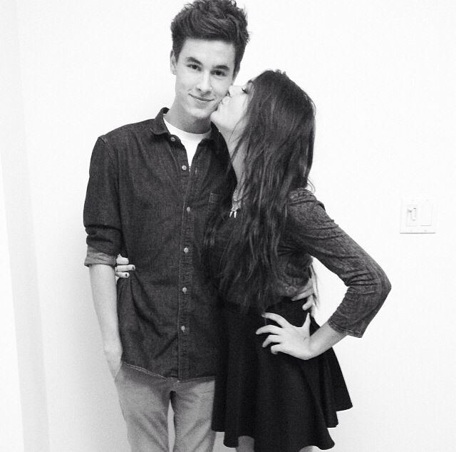 are andrea and kian still dating after 5