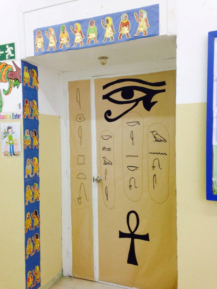 Puerta de mi clase. Empezamos con el Antiguo Egipto