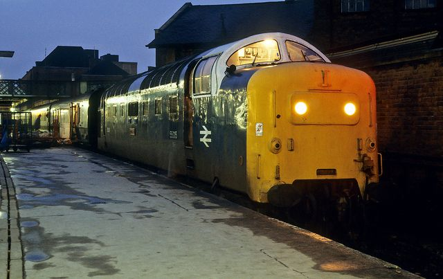 55015 'Tulyar' pauses at Doncaster with the 15:50 York - Kings Cross on 9th Dec 1979. Delivered new on 13th Oct 1961 as D9015. Named 'Tulyar' on 31st Dec 1973. Owned in preservation by the Deltic Preservation society.