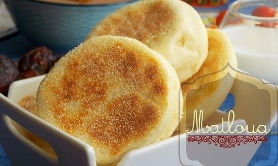 Matloua moelleux sans pétrissage Je vous propose du pain matloua ou matlou3 sans pétrissage...