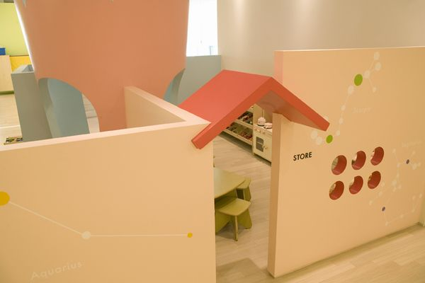 Kids Cafe Piccolo by VONSUNG, via Behance