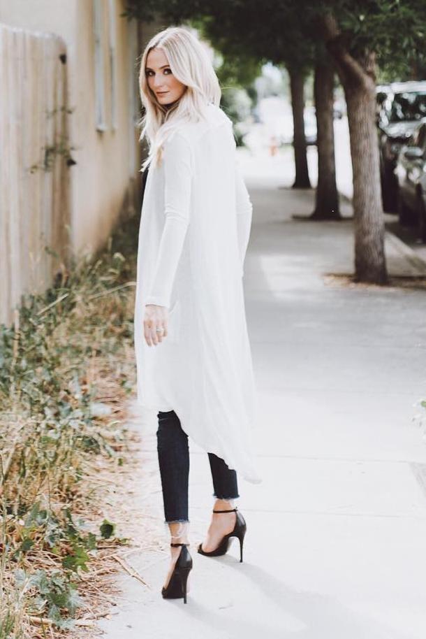Lauren Bushnell wearing Steve Madden Stecy Sandals