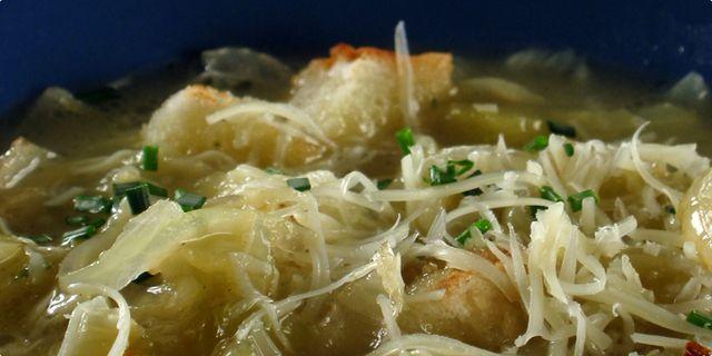 Cibulová polévka. Recepty — Podravka | S Podravkou chutná lépe