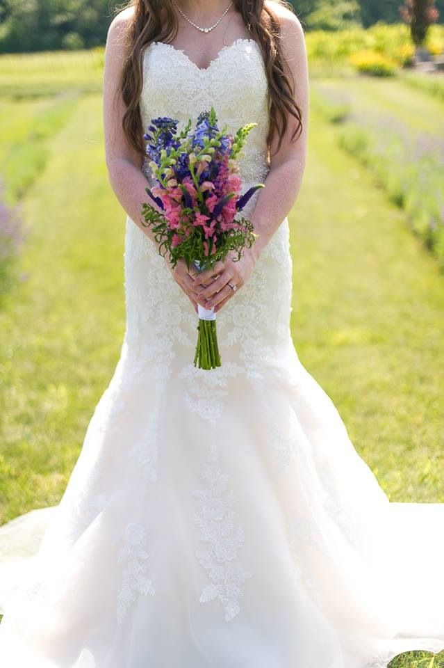 Another exclusive gown taken at a lavender farm by @rnashphoto