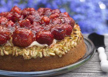 Midsommertærte med jordbær