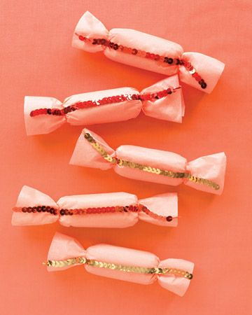 Sequined candy favors : Party Favors, Wedding Favors, Sweet, Wedding Ideas, Weddings, Candy Favors, Sequined Favors, Party Ideas