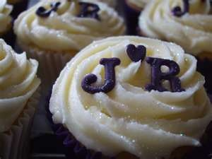 cutest monogrammed #cupcakes EVER.