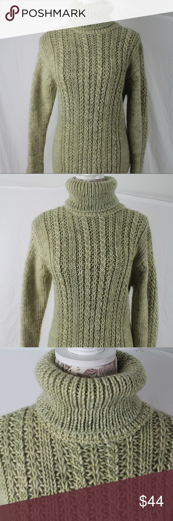 """Timberland Green Wool CableKnit Turtleneck Sweater This is a Timberland 100% Italian wool Cableknit turtleneck pullover sweater (UK jumper) in size Medium. Made in Italy. When flat on front side, shoulder seam to shoulder seam measures 18"""" across, underarm to underarm 19"""", waist 18"""". Total length is 26.5"""".  Sleeve length when measured from top of shoulder seam down to end of cuff is 25"""". A fine piece of quality work. One of those pieces meant to last a lifetime. Pre-owned in UNWORN…"""