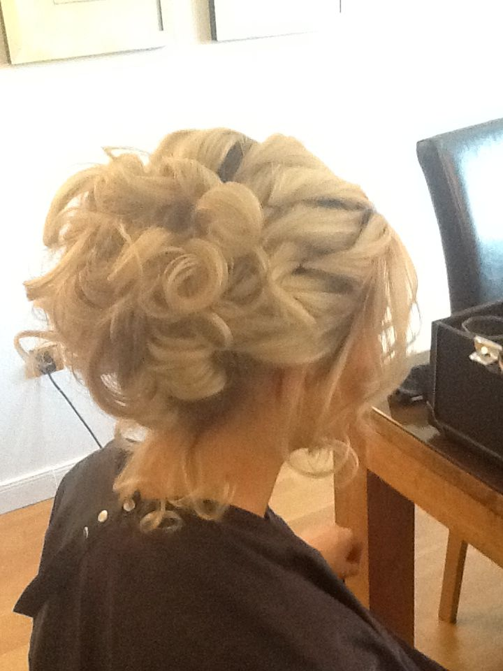 Bridesmaid Hair Not Enough Hair For This Big Of A Pouf