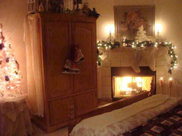 66 Inspiring ideas for Christmas lights in the bedroom. Pinterest    Christmas Lights Bedroom     1 000