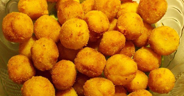 (Proporcje na ok. 55 sztuk)   SKŁADNIKI:  - 500g ziemniaków,  - 60g żółtego sera,  - 1 duże jajko,  - 1 łyżka mąki ziemniaczanej,  - 3 łyżki...