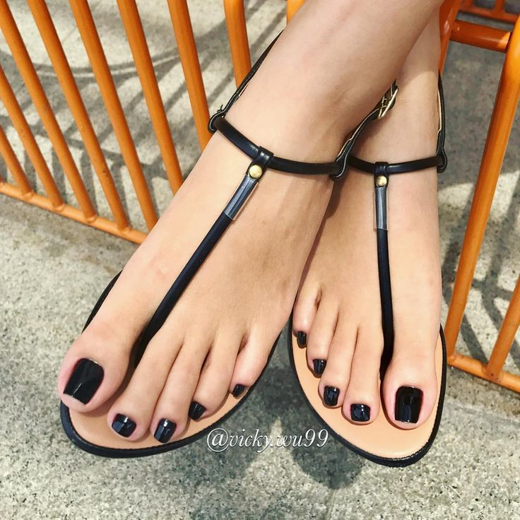 sexiest-girl-toes