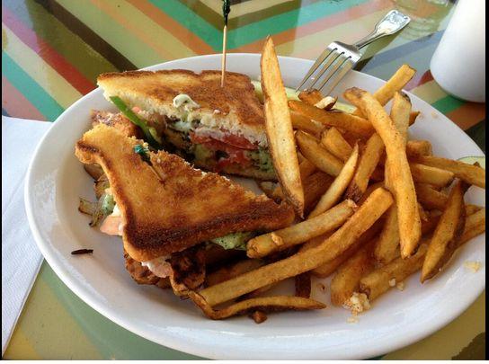 Un buen sandwich y papas a la francesa delicias de for Comida francesa df