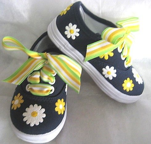 painted canvas sneakers with ribbon laces - make to match the outfit!