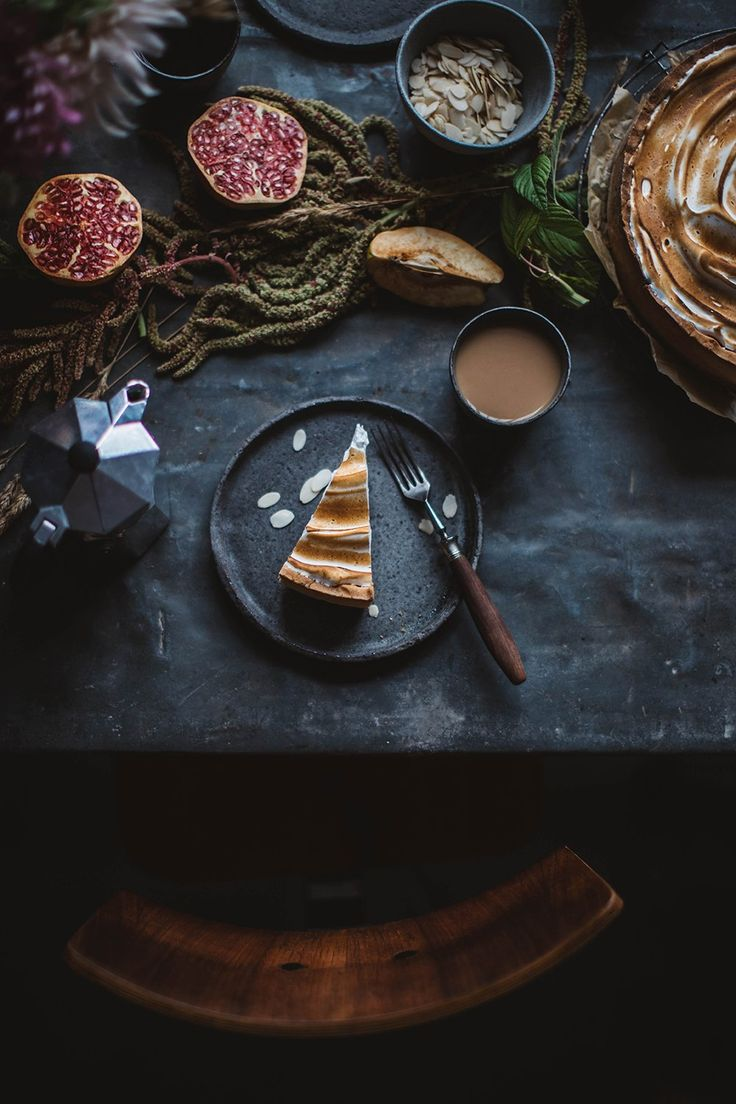 Gluten-free Quince Cheesecake with Meringue and a shooting for Canon