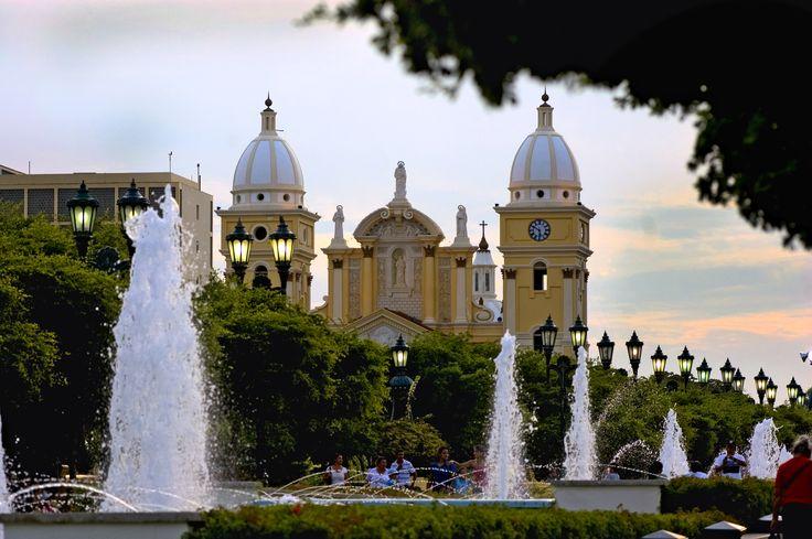 La Basílica de Nuestra Señora de Chiquinquirá, es el templo católico más concurrido del estado Zulia en Venezuela, ubicada en el centro de la ciudad de Maracaibo. Una construcción dedicada a la Virgen Chinita, patrona del estado Zulia