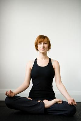 HOW TO GAIN FLEXIBILITY IN LEGS FOR THE LOTUS POSITION