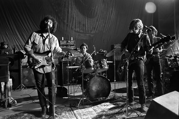 20 Essential Grateful Dead Shows Sublime solos, 30-minute jams and a fierce show in a Danish cafeteria – 20 must-own gigs for every Deadhead