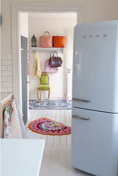 best 25 frigo smeg ideas on pinterest frigo retro r frig rateur r tro and r frig rateur smeg. Black Bedroom Furniture Sets. Home Design Ideas