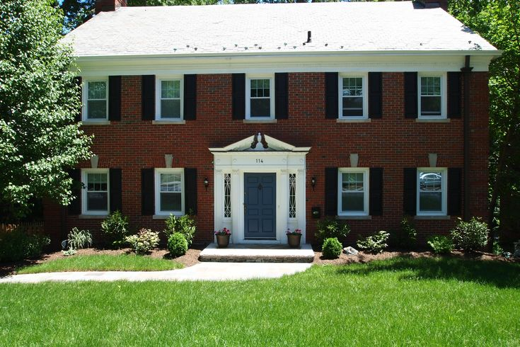 Door colors for red brick colonial all brick center for Colonial brick