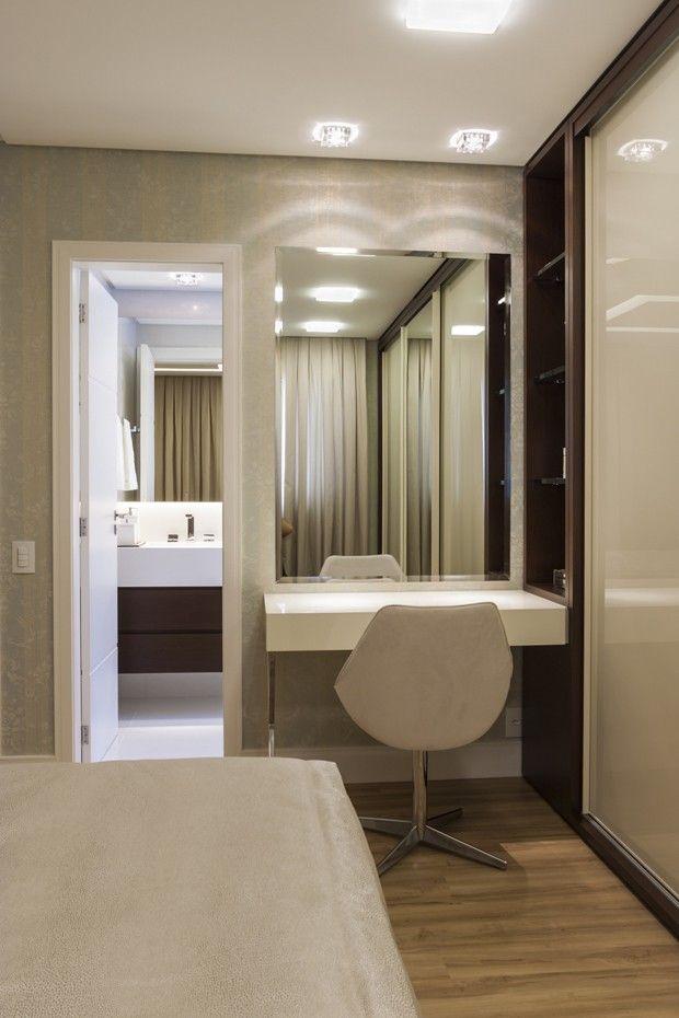 Reforma confere visual leve e atual | http://casavogue.globo.com/Interiores/apartamentos/noticia/2014/12/reforma-confere-visual-leve-e-atual.html