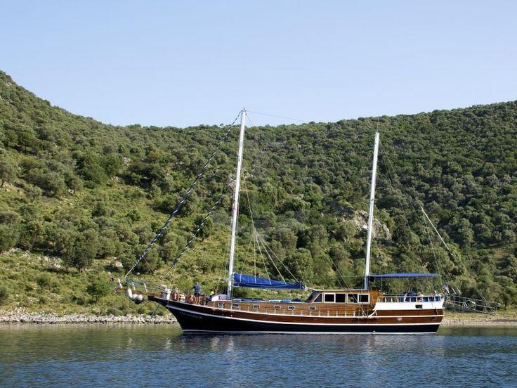 ARKADASLIK | CNL Yacht
