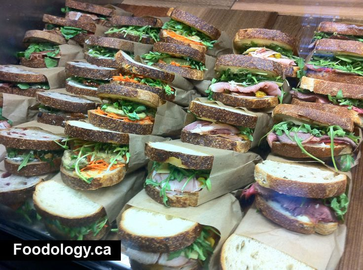 Cool sandwich display. I like the sandwiches already in paper bags.