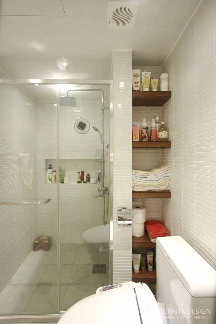 반짝이는 드레스룸과 대면형 주방인테리어_30py : 모던스타일 욕실 by 홍예디자인