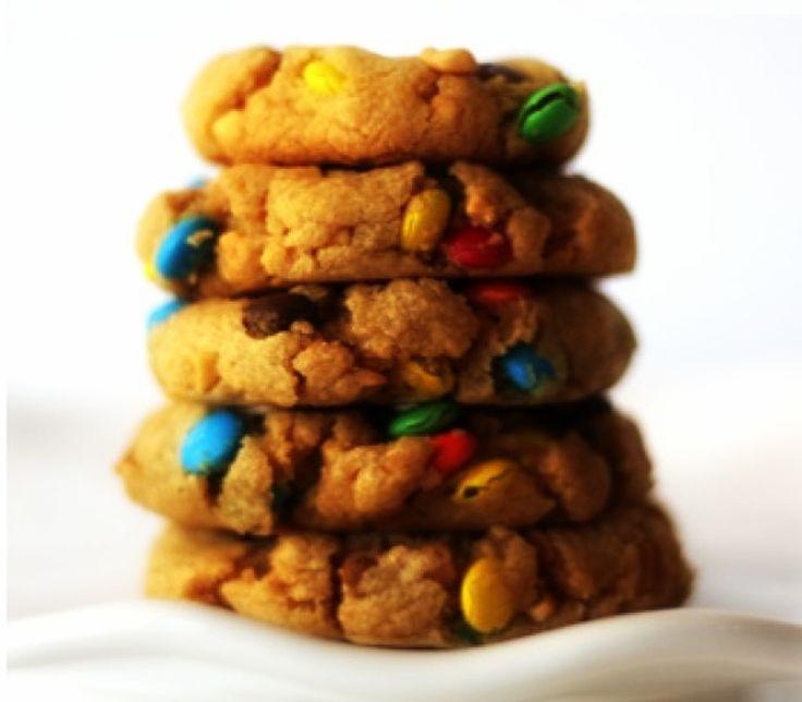 Μπισκότα με φυστικοβούτυρο και πολύχρωμα καραμελάκια!