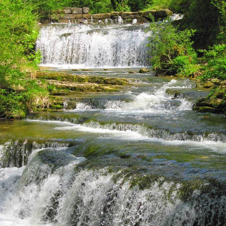 Cascade du Hérisson - Jura - France | Les 30 plus beaux endroits de France à découvrir sans attendre by Trivago | #JuraTourisme