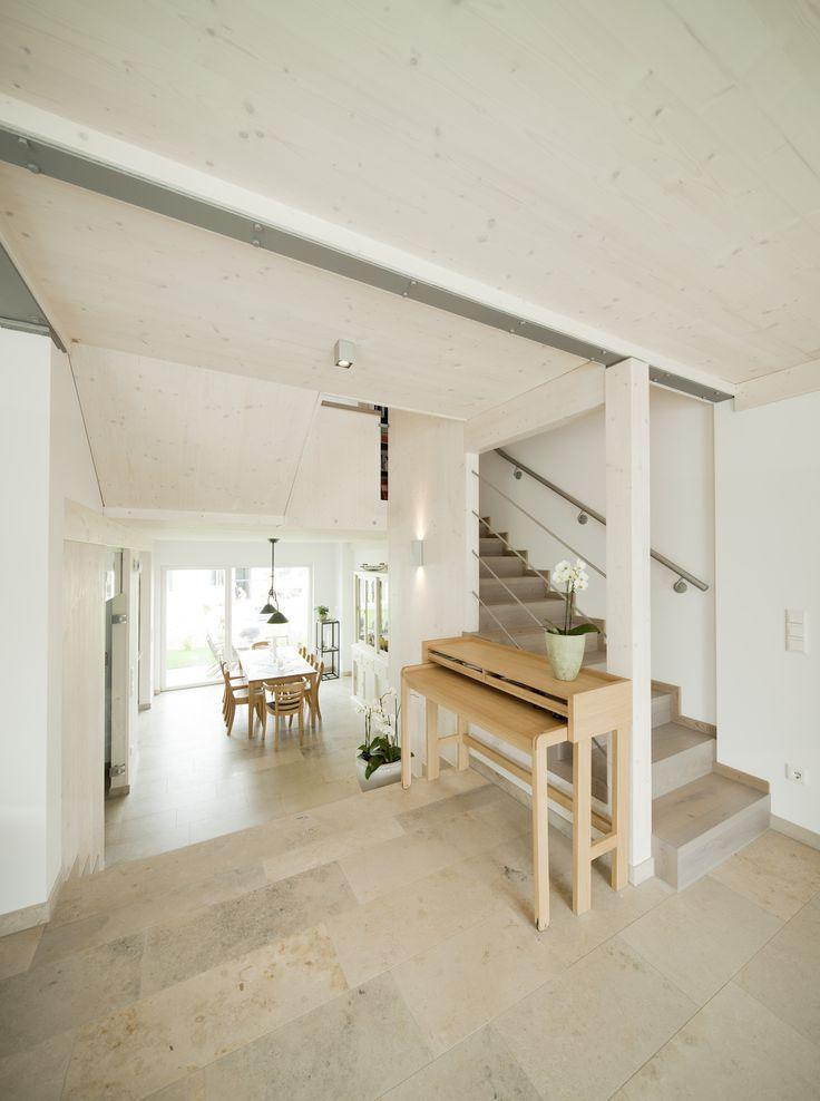 heller wohn und essbereich holzhaus holz steinplatten offen glas flur esszimmer. Black Bedroom Furniture Sets. Home Design Ideas