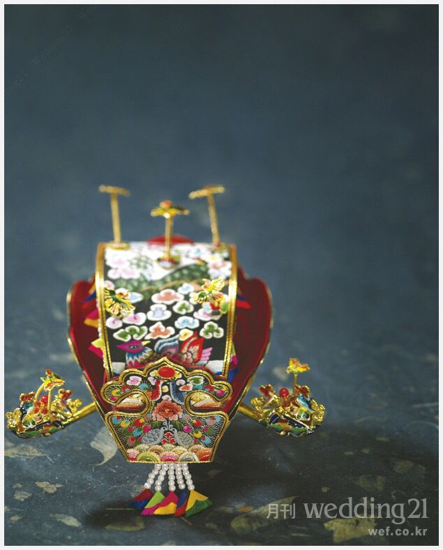 bride's headpiece (worn at a Korean traditional wedding), Korean bridal crown