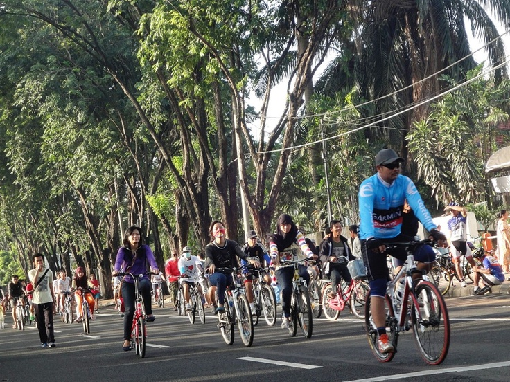 Participate in Surabaya Car Free Day, every Sunday 6 to 9 am