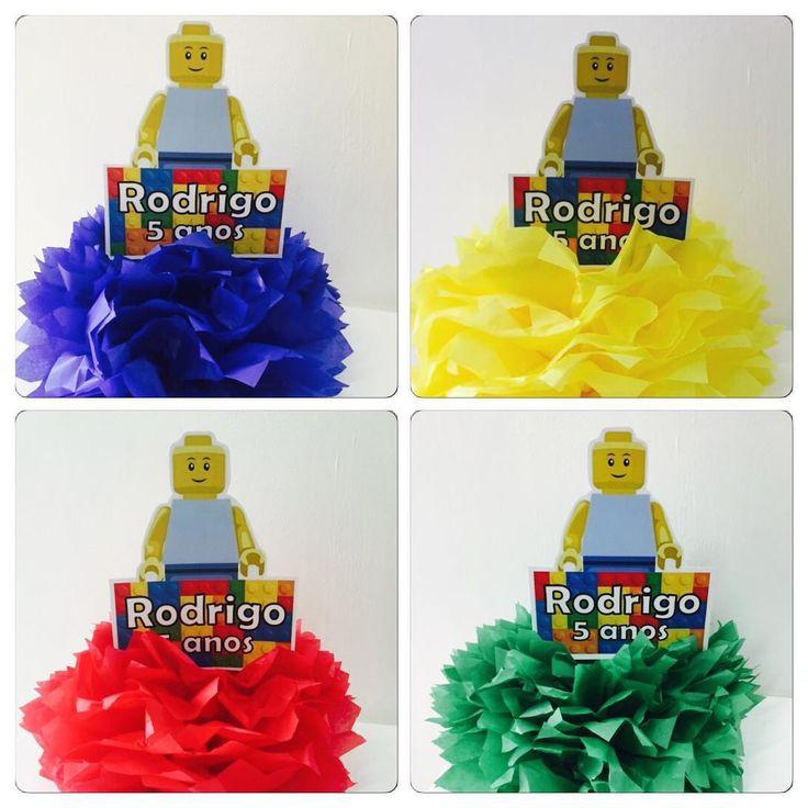 Centro de mesa nas 4 cores! Festa Lego do Rodrigo, filho da Sibere! Fizemos tudo da festa, convites, lembranças, centros de mesa e a nossa decoração que a mamãe levou na opção Pegue e Monte! #Lego #personalizados #convites #festamenino #kidsparty #ratchimbum #loja #novaodessa