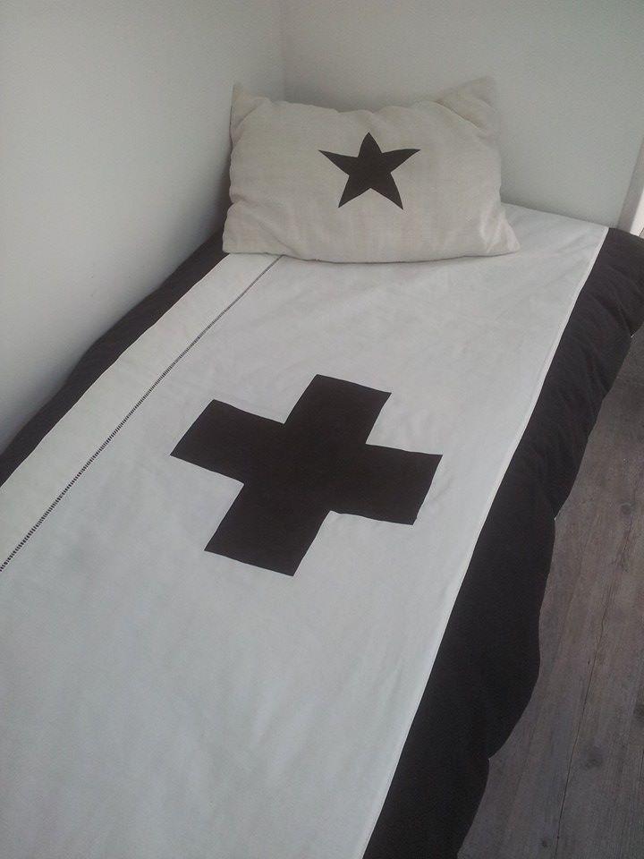les 25 meilleures id es de la cat gorie chambre dredon blanc sur pinterest lit confortable. Black Bedroom Furniture Sets. Home Design Ideas