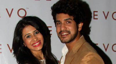 'Bigg Boss 9' lovebirds Suyyash Rai, Kishwer to wed next year #SuyyashRai http://www.bollywoodmantra.com/news/bigg-boss-9-couple-suyyash-rai-kishwer-merchant-to-wed-next-year/19507/ …