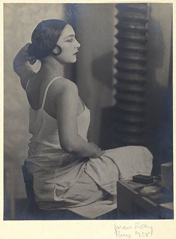 Wife Rosa (Rolanda-Covarrubias), depicted by Man Ray during their travel to Paris (1927-1928)