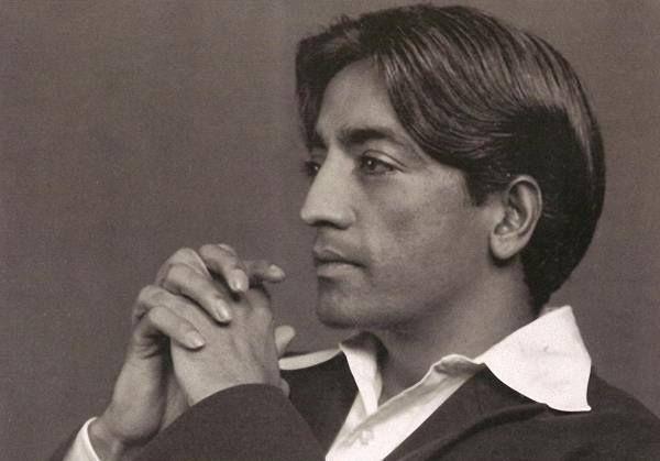 Кришнамурти, сам себе свет Этот яркий мыслитель откровенно тяготился ролью классического гуру. Его учение легче не понять — почувствовать. Увидеть жизнь глазами человека, который ощущал мир как прекрасное целое.
