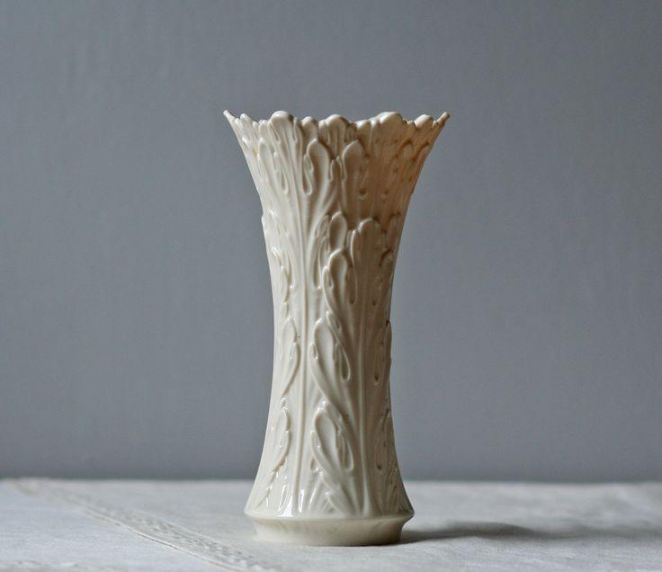 White Porcelain Lenox Vase Leaf Pattern Tyxgb76aj Quot Gt This