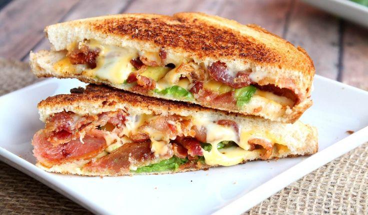 Сэндвичи на завтрак - идеальное блюдо как для себя, так и для близких. Узнайте несколько способов оригинального приготовления сырных сэндвичей.