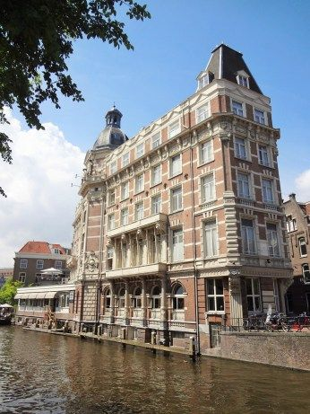 CANALS, ARCHITECTURE & STREET LIFE