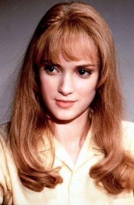 Winona Ryder stars as Kim Boggs ~ Edward Scissorhands (1990) ~ Movie Stills #amusementphile