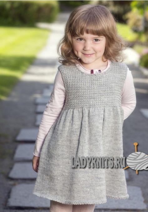 Простое платье спицами для девочки от 2 до 12 лет