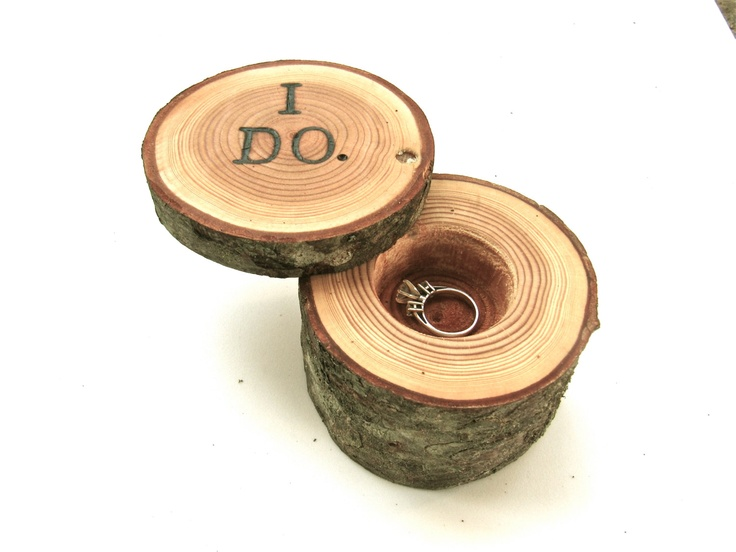 Nice looking alternative woodland ring box.