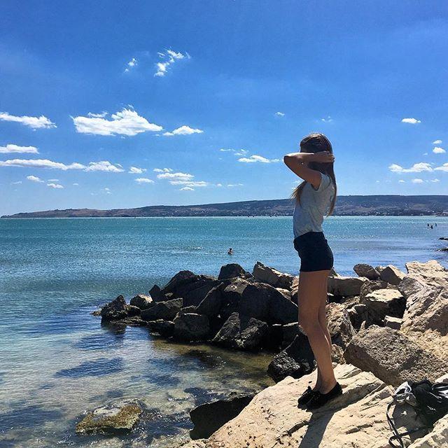 【onlyyourjuliet】さんのInstagramをピンしています。 《Нужно ездить на море чаще чем один раз в год, чтобы потом не выкладывать весь год фотки из одной поездки 🙄 #vscocam #vscoview #vscosummer #vscosea #vscosky #beautiful #view #sea #sky #summer #travel #trip #nature #happy #綺麗 #景色 #旅行 #空 #雲 #海 #夏 #自然 #幸せ》