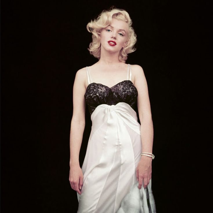 Rare and Stunning Photos of Marilyn Monroe Taken by Her Close Friend Milton H. Greene in the 1950s